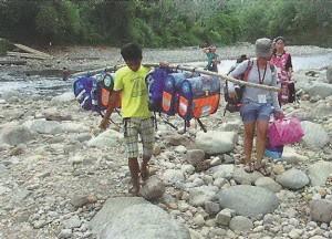Schulranzen auf den Philippinen GAIN, Kinderarztpraxis Dr. Dietrich